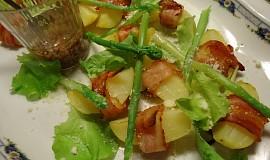 Pečené brambory ve slanině s chřestem