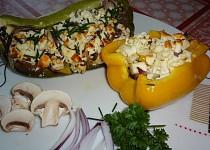 Zapečené papriky ze šmakounem a žampióny