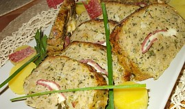Zeleninovo - masová sekaná,  plněná  smotky  s gorgonzolou