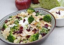 Brokolicovo - jablkovy salat