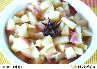 Jablečný kompot s badyánem