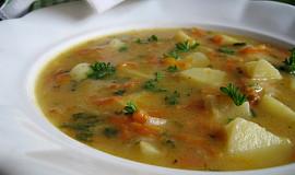 Kedlubnová polévka s mrkví a novými brambory