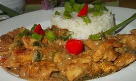 Kuřecí kousky s cuketou a chilli papričkami  -  aneb  čína s cuketou
