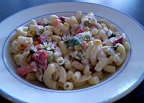 Těstovinový salát se sedmikráskou - vegan