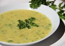 Žloutková polévka s parmazánem