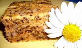 Mrkvový koláč s ořechy bez lepku, mléka a vajec