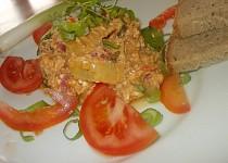 Ostré lečo s cuketou,  ostřejší klobásou (nebo čabajkou), rajčaty a paprikami