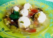 Pórková polévka s tofu knedlíčky