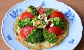 Tvarůžková omeleta se zeleninou a tofu