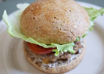 Domácí plněné burgery
