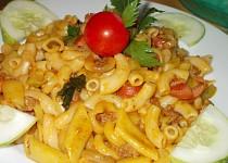 Těstoviny s masovo - zeleninovou směsí