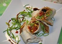 Tortilly s mexico směsí a kuřecím masem