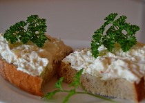 Celerová pomazánka s nádechem česneku