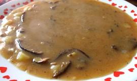 Hustá gulášová polévka z václavek