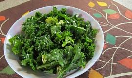 Kale a brokolicový salat