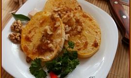 Muškátová dýně s máslovo-ořechovým přelivem