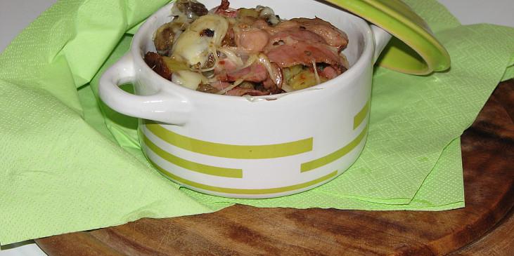 Zapečená směs z brambor, sýrů  a hub