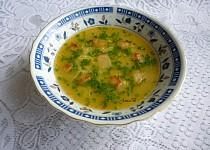Česneková polévka se strouhankou a vejci