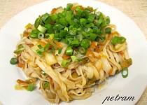 Chow mein - Rýžové nudle s mrkví a zelím po čínsku