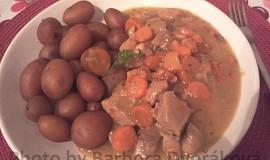 Dušené maso s mrkví