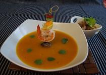 Thajská rybí polévka