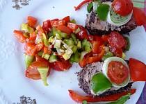 Vepřová panenka v makovém obalu se zeleninovou salsou