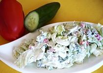 Zeleninový salát s kysanou smetanou