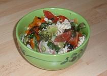 Zeleninový salát s těstovinou