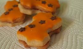 Badyánové cukroví s pomerančovou polevou.