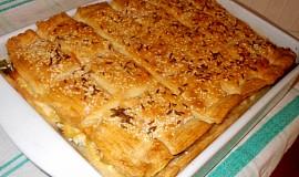 Slaný koláč s bůčkovou roládou a pórkem