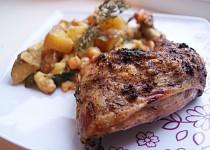 Tymiánové sumac kuře s bramborovo-cizrnovým salátem