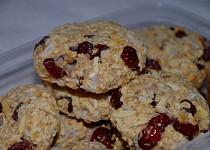Vločkové cookies s kokosem a brusinkami