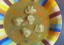 Kaldounová polévka v pomalém hrnci s drožďovými knedlíčky