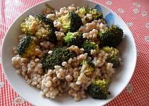 Kroupy s brokolicí - MAKROBIO