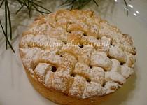 Mini mřížkový koláč s ananasem a brusinkami