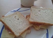 Sendvič ke snídani