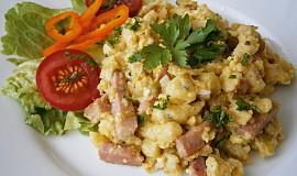Špecle s uzeninou, mozzarellou a vejci