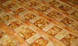 Velký mřížkový koláč s jablky