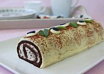 Kakaová roláda s krémem stracciatella a ganache z bílé čokolády