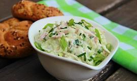 Kedlubnový salát se šunkou a tatarkou