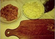 Kousky kuřecího masa s rýží