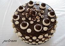 Narozeninový dort bez lepku, mléka a vajec