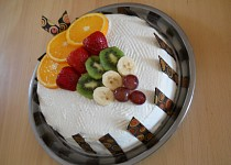Ovocný dort s nadýchanou náplní