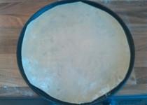 Pizza korpus do mrazáku + domácí rajčatová omáčka na pizzu