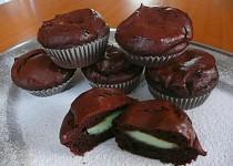 Bezlepkové pudingové muffiny s pistáciovým srdíčkem