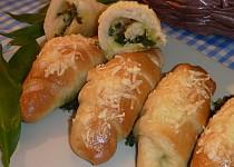 Rohlíčky s medvědím česnekem a sýrem