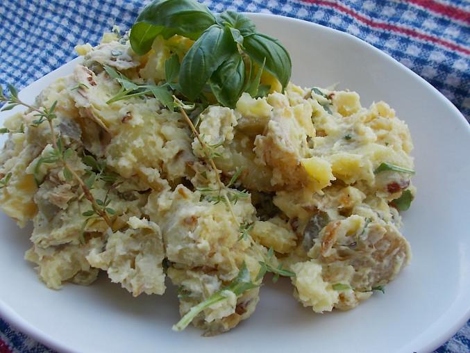 Bramborový salát  z grilovaných nových brambor a bylinek