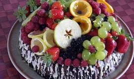 Dort plný ovoce