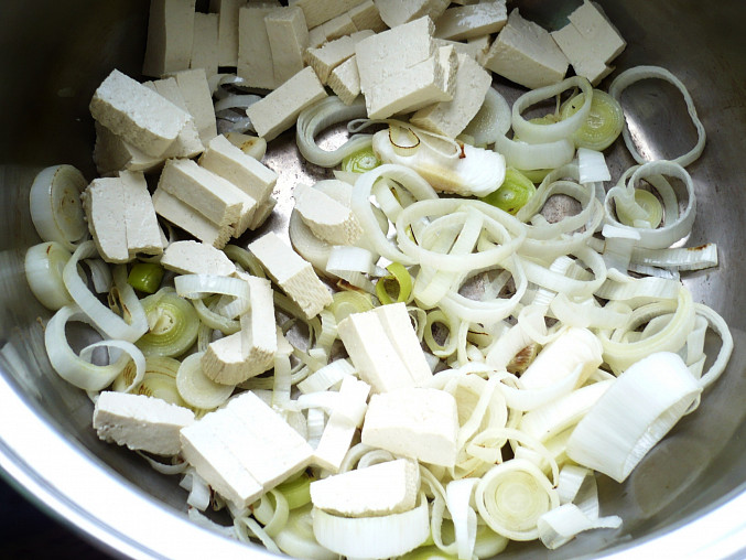 Kroupový nákyp s tofu