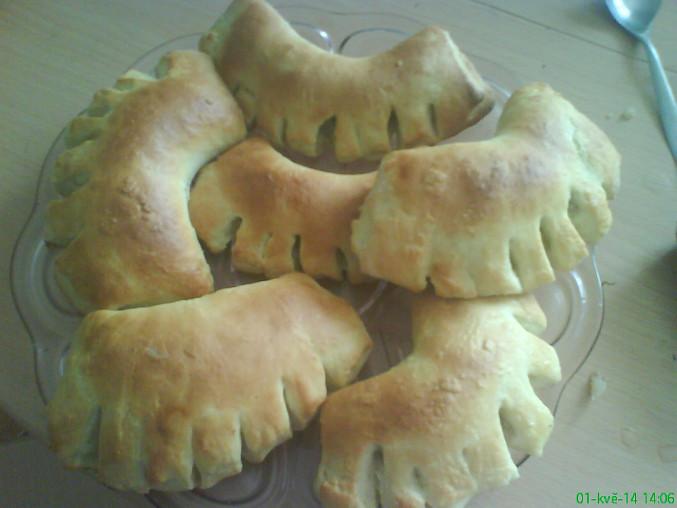Kynuté koláče s tvarohem, hřebeny